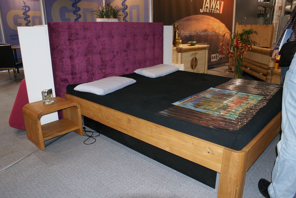 Bett in Trendfarben von Jawabetten