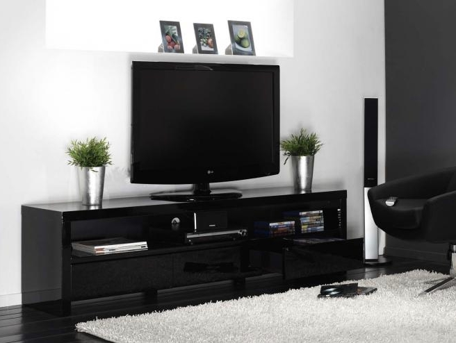 pin lack tv meubel ikea door de opening aan achterkant houd je alle on pinterest. Black Bedroom Furniture Sets. Home Design Ideas